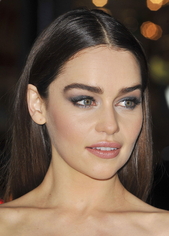 Emilia Clarke Kimdir?   MaksatBilgi