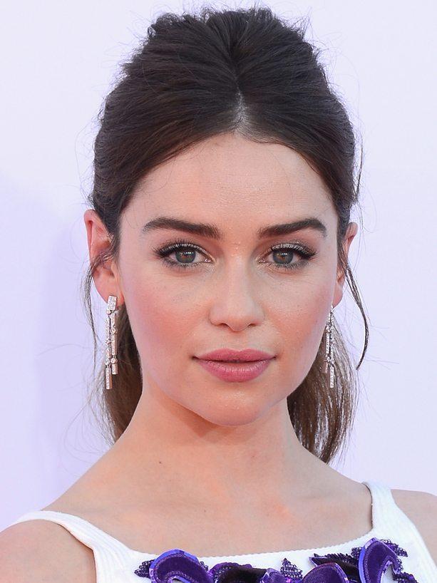 Emilia Clarke Nisan 2019 MaksatBilgi Kapağı