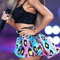 Ariana-Grande-Photos-Foto-Galeri-2014-2015-34