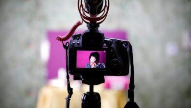 Photo of Makyaj Videolarıyla Fenomen Olan 70 Yaşındaki Youtuber Büyükanne