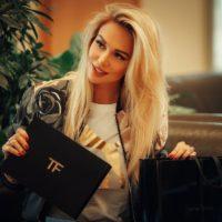 Victoria-Lopyreva-Fotograflari-2018-52