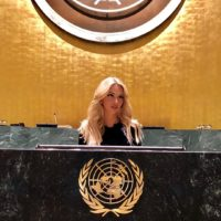 Victoria-Lopyreva-Fotograflari-2018-6