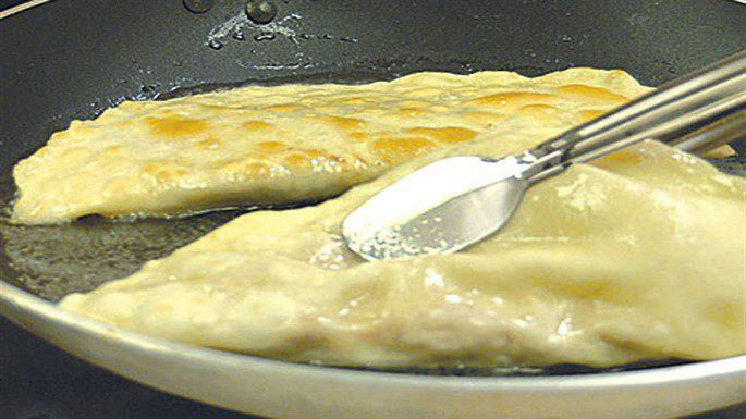 Çibörek (Çiğ Börek) Tarifi, Nasıl Yapılır? (Videolu)