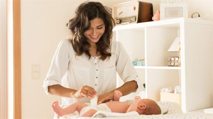Bebeğinizin Altını Değiştirirken Size Yardımcı Olacak 7 Etmen Nedir?