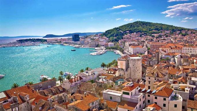 Sırt Çantasıyla Seyahat Edebileceğiniz 5 Küçük Avrupa Şehri Neresidir?