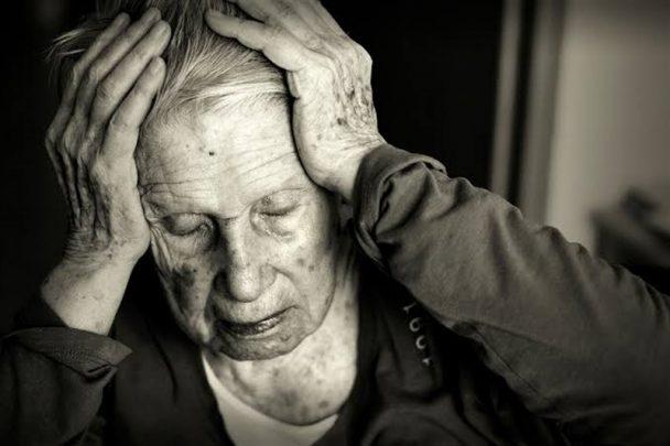 alzheimer Alzheimer Hastalığı Nedir? Evreleri Nelerdir?