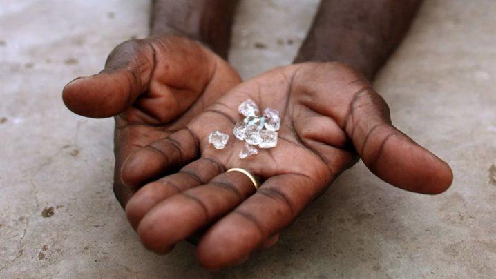 elmas madenlerindeki zorlu yaşam şartları Elmas Madenlerindeki Zorlu Yaşam Şartları Nelerdir?