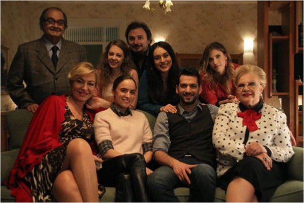 Kocan Kadar Konuş Film Konusu ve Oyuncuları