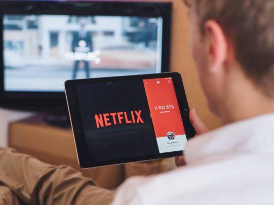 Netflix Eylül 2021 Takvimi: Hangi Diziler & Filmler Yayında!