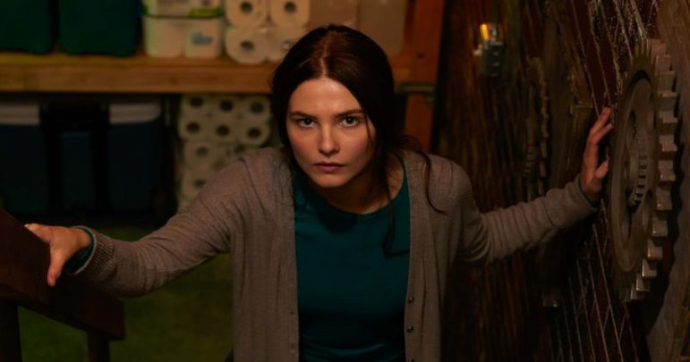 Girl In The Basement Film Konusu ve Oyuncuları